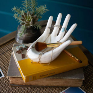Great-Finds-Parker-Products-Kalalou-ceramic-hand-ring-holder