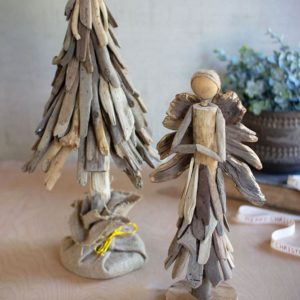 Great-Finds-Parker-Products-Kalalou-driftwood-christmas-tree-with-jute-wrapped-wooden-base-00