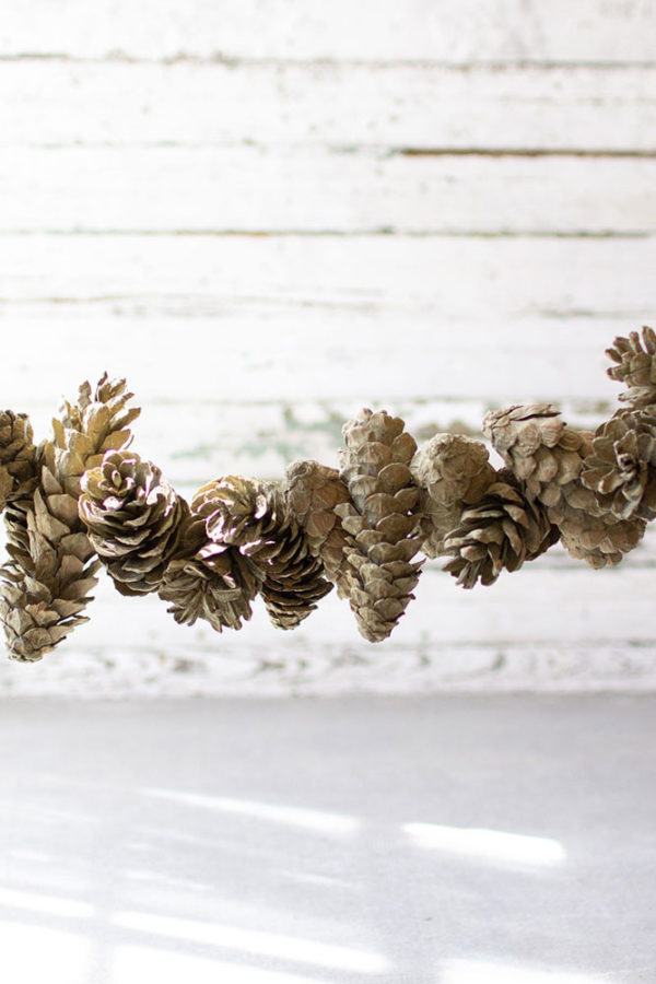 Great-Finds-Parker-Products-Kalalou-frosted-sage-pinecone-garland-01
