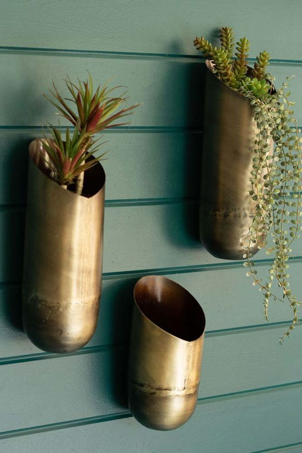 Great-Finds-Parker-Products-Kalalou-set-of-3-antique-brass-wall-vases-02