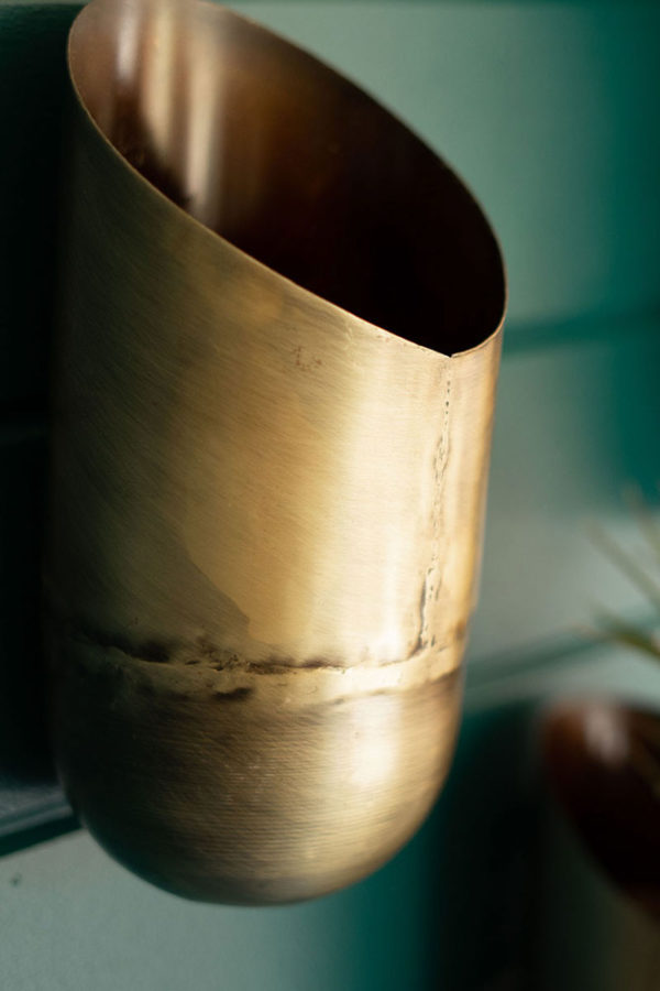 Great-Finds-Parker-Products-Kalalou-set-of-3-antique-brass-wall-vases-03