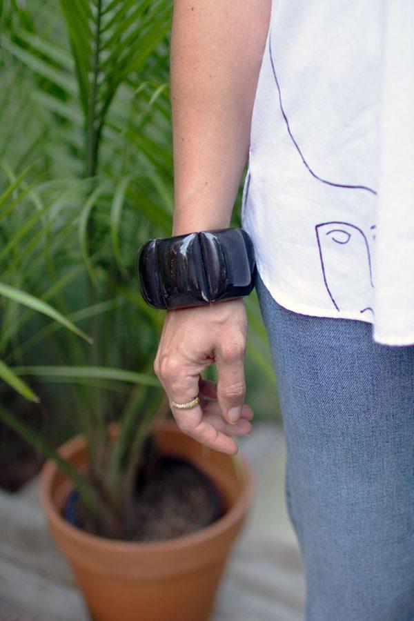 Great-Finds-Parker-Products-Kalalou-set-of-3-horn-bracelets-02