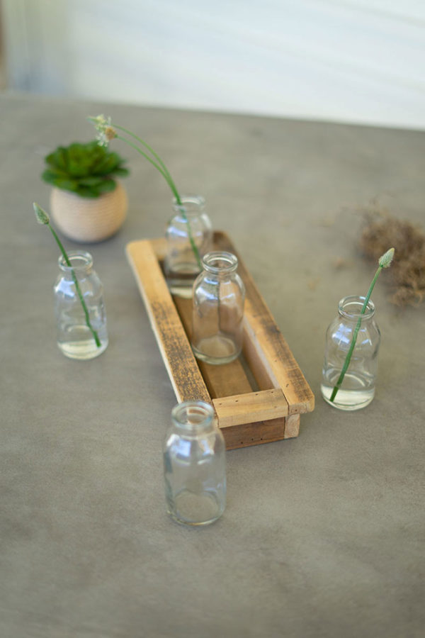Great-Finds-Parker-Products-Kalalou-set-of-5-glass-bud-vases-with-recycled-wood-base-01