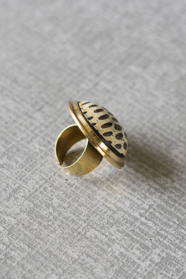 Great-Finds-Parker-Products-Kalalou-set-of-6-adjustable-horn-and-resin-rings-02